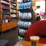 Photo taken at Starbucks (สตาร์บัคส์) by Harp K. Disaket on 5/16/2013
