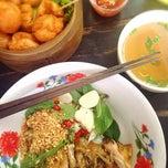 Photo taken at Chicken Chef by Alissa F. on 10/13/2014
