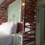Photo taken at โรงแรม หิน น้ำ ทราย สวย 1 (Hin Nam Sai Suay 1) by Pongsak B. on 12/25/2014