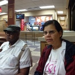 Photo taken at Wendy's by Shy M. on 9/21/2013
