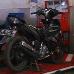Photo taken at Yamaha Devina Motor by Dwi A. on 3/12/2014