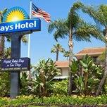Photo taken at Days Hotel San Diego Hotel Circle/ Near SeaWorld by Days Hotel on 2/20/2014