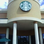 Photo taken at Starbucks by Yeadon S. on 9/19/2013