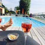 Photo taken at Hôtel du golf de l'Ailette by Diana I. on 6/1/2014