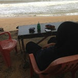 Photo taken at Restoran Pantai by Khalidah K. on 12/23/2013