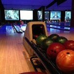 Photo taken at Bowlmor Cupertino by Harris W. on 2/14/2013