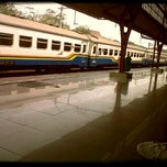 Photo taken at Stasiun Pasar Senen by Merieska R. on 9/14/2012