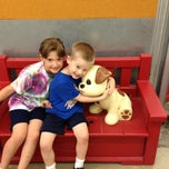Photo taken at Old Navy by Marie L. Skinner on 6/7/2013