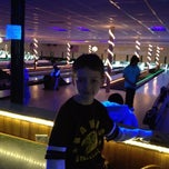 Photo taken at Woodlawn Duckpin by Jennifer H. on 3/10/2012