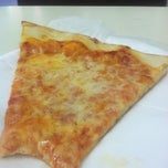 Photo taken at Minitalia Pizza by Lisa V. on 6/20/2012