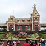 Photo taken at Hong Kong Disneyland 香港迪士尼樂園 by いがため on 5/5/2013