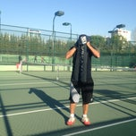 Photo taken at Hillside City Club Tennis Court by KEN🌀N EK$!🌀GLU on 11/9/2013
