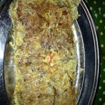 Photo taken at Murtabak Mengkasar PEKAN by Roseli EzyBlogger on 11/1/2012