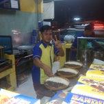 Photo taken at Martabak Bandung 999 by Alfa R. on 10/16/2014