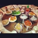 Photo taken at Wong's King Seafood Restaurant by Sean C. F. on 12/23/2012