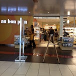Photo taken at Au Bon Pain by Diana J. on 7/18/2012