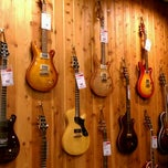Photo taken at Guitar Center by Nicole Z. on 9/30/2011