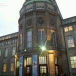 Photo taken at Deutsches Museum by Ryota I. on 1/14/2012