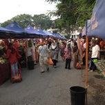Photo taken at Pasar Malam/Tani Taman Melawati by Aidil J. on 8/10/2012