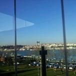 Photo taken at Cibalikapı Balıkçısı by Emre K. on 3/17/2012