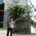 Photo taken at Kampus A Universitas Gunadarma by rissqy m. on 8/30/2012