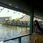 Photo taken at บึงสำราญ ฟิชชิ่งปาร์ค (Bung Sam Ran Fishing Park) by Thady S. on 12/4/2011