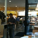 Photo taken at Au Bon Pain by Aleksey on 9/15/2011