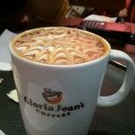 Photo taken at Gloria Jean's Coffees by Apurv D. on 1/16/2012