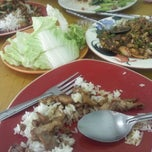 Photo taken at อุดร ส้มตำนรก by Krisana T. on 1/29/2012