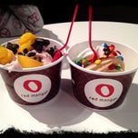 Photo taken at Red Mango by Larry G. on 10/31/2011