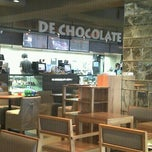 Photo taken at DE CHOCOLATE COFFEE by kim j. on 9/19/2011