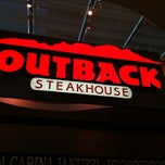 Photo taken at Outback Steakhouse by Leonardo R. on 6/24/2012