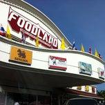 Photo taken at Foodland (ฟู้ดแลนด์) by Nakrishya S. on 1/7/2011