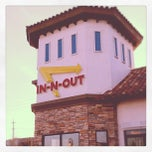 Photo taken at In-N-Out Burger by Sean N. on 2/23/2012