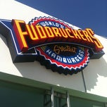 Photo taken at Fuddruckers by Omar J. on 10/6/2011