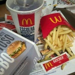 Photo taken at McDonald's by Henrique G. on 5/14/2012