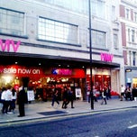 Photo taken at hmv by Bhanu C. on 3/24/2012