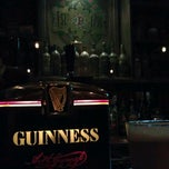 Photo taken at Rí Rá Irish Pub by Mike M. on 11/29/2011