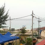 Photo taken at Pulau Tinggi by Alieya N. on 5/23/2012