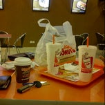 Photo taken at Dunkin' Donuts by Rumkeny J. on 4/28/2012