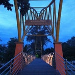 Photo taken at สวนศรีเมือง (Sri Mueang Park) by pigart P. on 9/8/2011