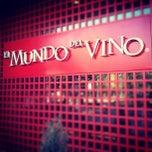 Foto tomada en El Mundo del Vino por  PolloSCL el 6/23/2012