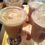 Photo taken at The Coffee Bean & Tea Leaf by Jimmy S. on 6/25/2012