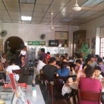 Photo taken at Nan yang coffee shop by SkyLIM M. on 5/1/2011