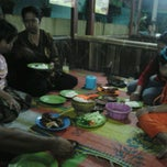 Photo taken at Warung Lesehan Ayam Bakar Pak Sholeh by kidnep s. on 5/19/2012