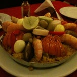 Photo taken at Restaurante La Paella by Edson F. on 6/2/2011