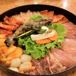Photo taken at Sukishi Bar B Q (ซูกิชิ บาร์บีคิว) by Nongnooh D. on 3/7/2012