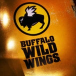 Photo taken at Buffalo Wild Wings by Momo W. on 9/2/2012