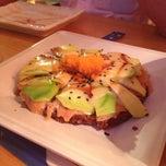 Photo taken at Sushi Market by Reinaldo V. on 9/13/2012