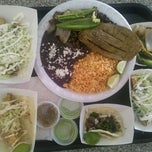 Photo taken at Tacos Atoyac by Leslie L. on 10/20/2011